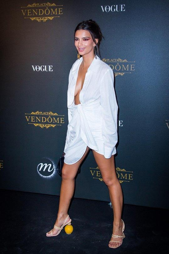 Emily na pařížském týdnu módy