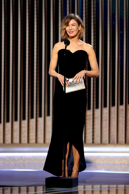Na černou vsadila letos i Renée Zellweger.