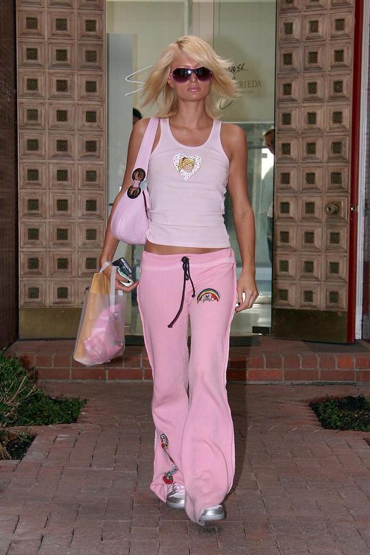 Vždy byla průkopnicí módních trendů, prorazila například s teplákovkami.