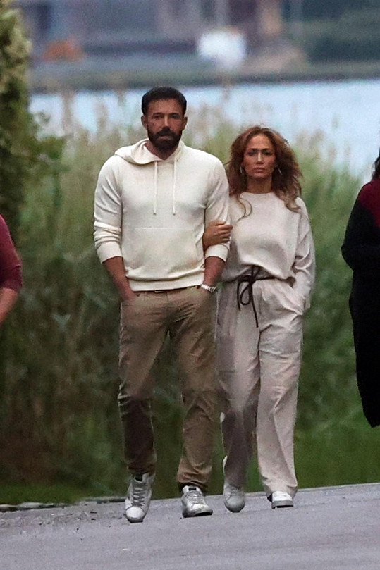 Jennifer Lopez a Ben Affleck na procházce v Hamptons.