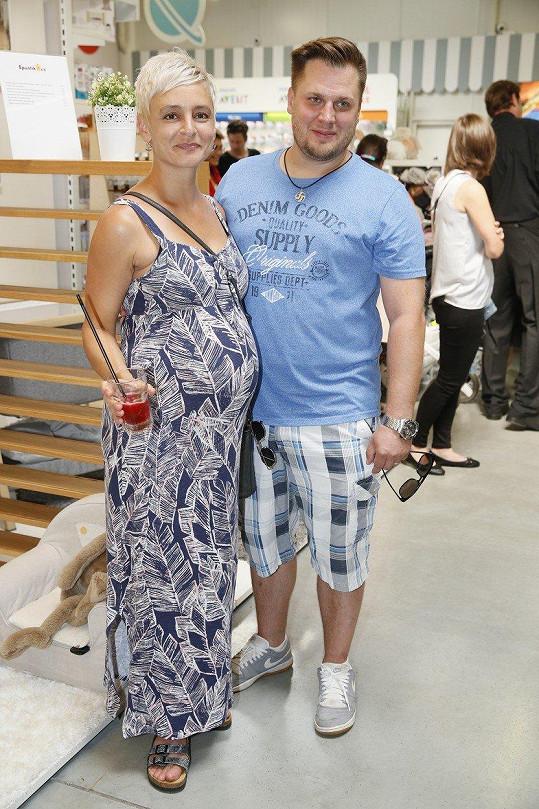 Tomáš Savka a Zuzana Pokorná se těší na první společné dítě.