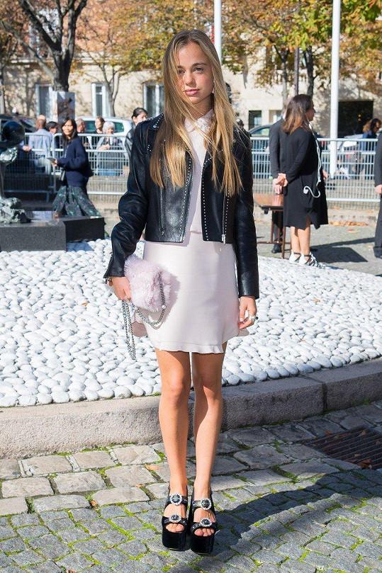Lady Amelia Windsor na pařížském týdnu módy