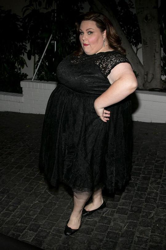 Chrissy Metz z profilu