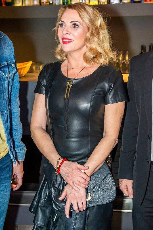 Zdena Studénková vypadá neuvěřitelně mladě.