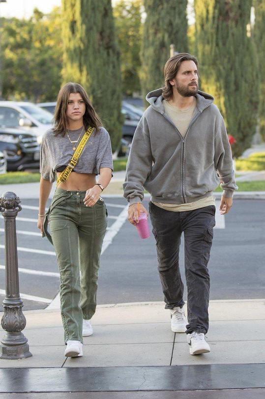 Scott a Sofia randí už přes rok.