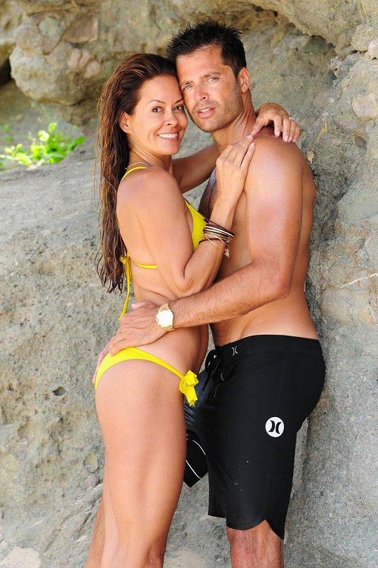 Brooke Burke má s Davidem Charvetem dvě děti. Celkem má ale čtyři potomky.