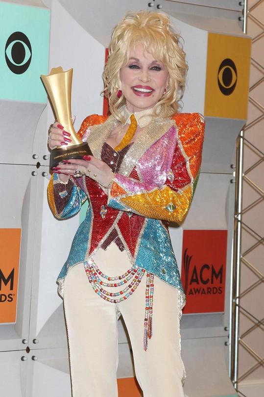 Dolly má další cenu do své sbírky.