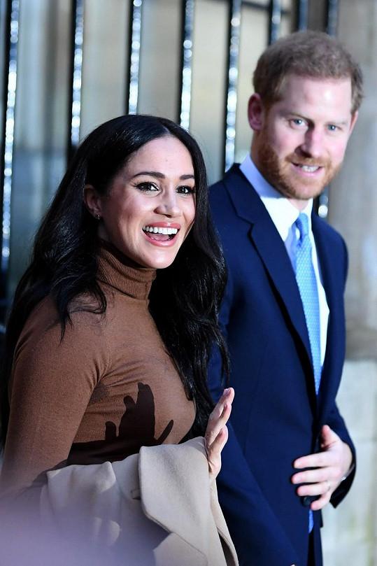 Přání od členů britské královské rodiny letělo do Los Angeles, kde vévoda a vévodkyně ze Sussexu momentálně pobývají.