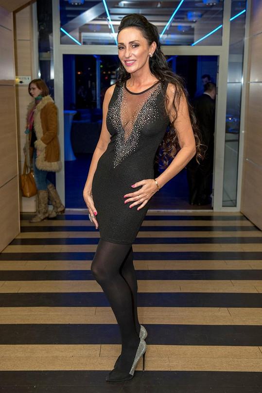 Sisa Sklovska se opět prezentovala v odvážných šatech.