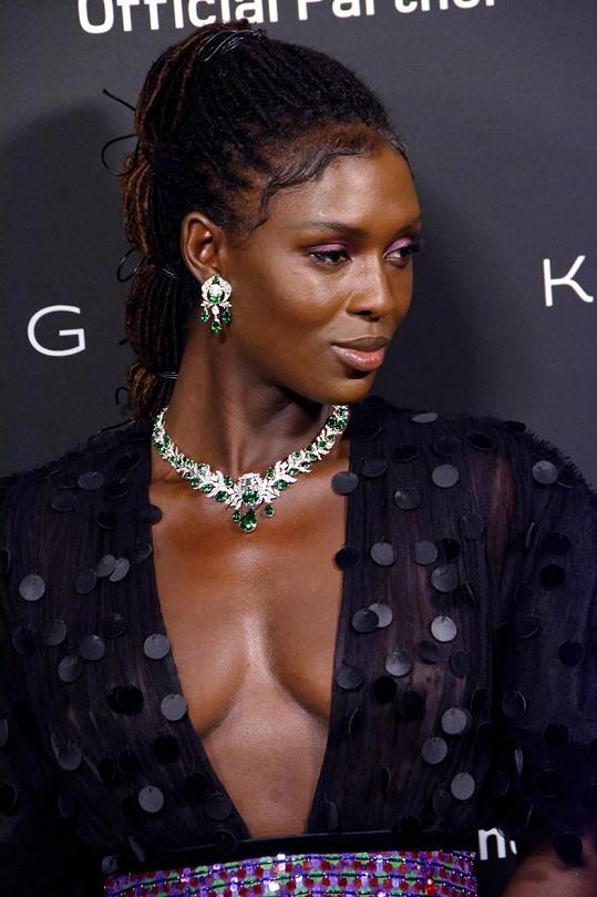Jodie Turner-Smith přišla o osobní šperky za desítky tisíc eur, informovala zahraniční média.