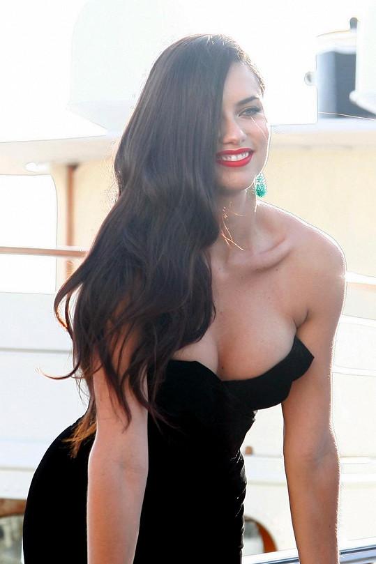 Adriana vypadá pořád fantasticky.