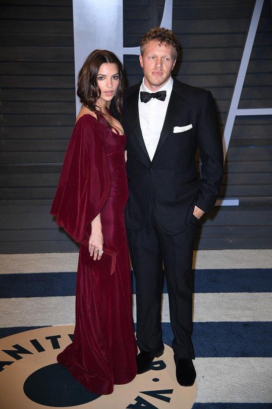Ratajkowski s manželem Sebastianem Bearem-McClardem