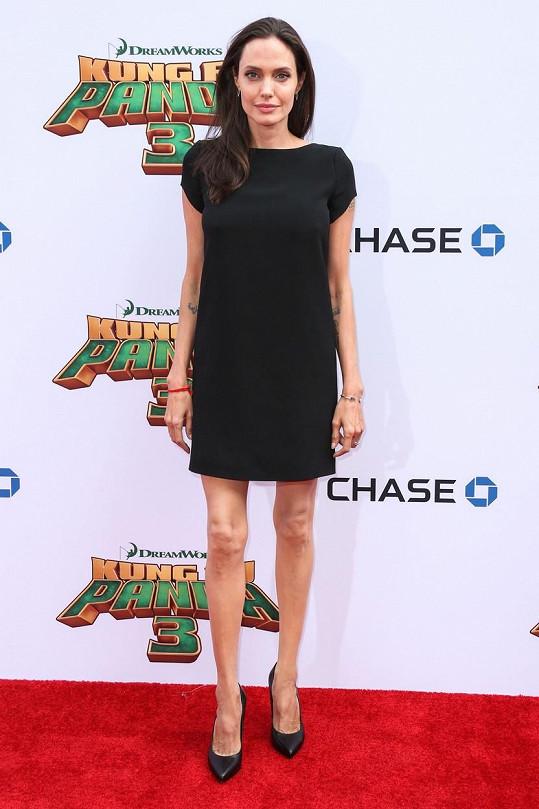 Angelina se na premiéře filmu Kung Fu panda 3 zase obešla bez Brada.