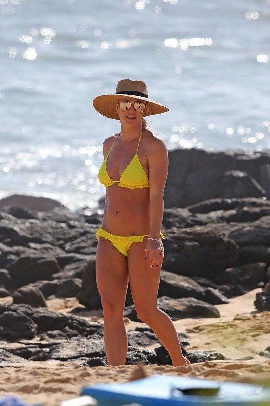 Britney se pochlubila sexy postavičkou v bikinách.