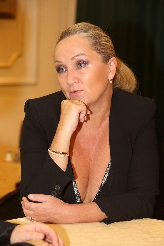 Také Bára Basiková má časté váhové výkyvy.