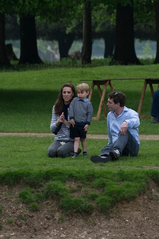 U vévodkyně a budoucího následníka trůnu poseděl Williamův bývalý spolužák James Made.