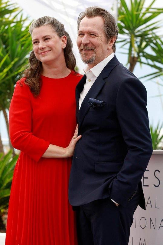 Gary Oldman je popáté ženatý.
