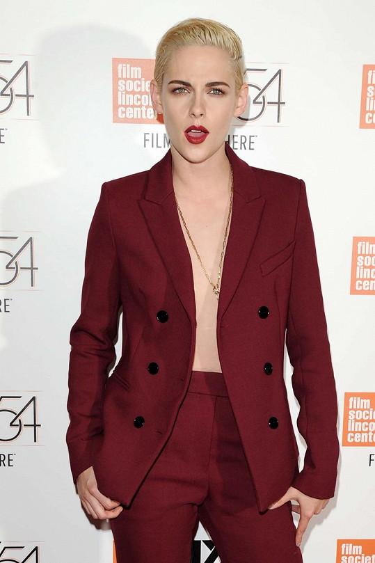 Kristen umí pánský styl nosit s grácií.