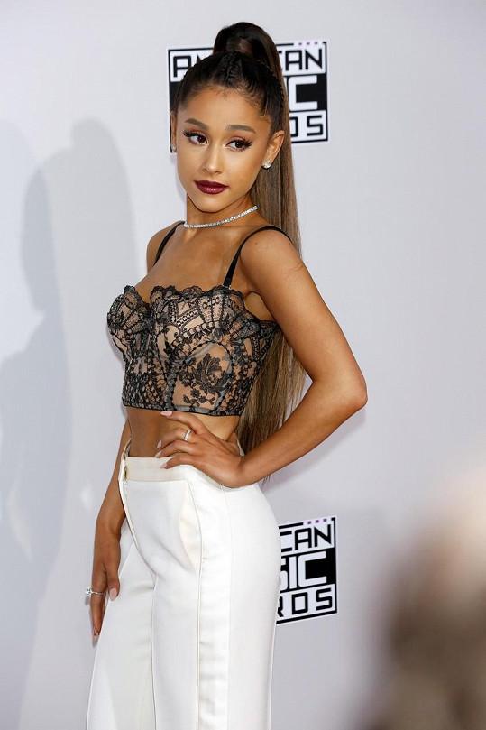 Ariana Grande je populární hlavně u mladšího publika.