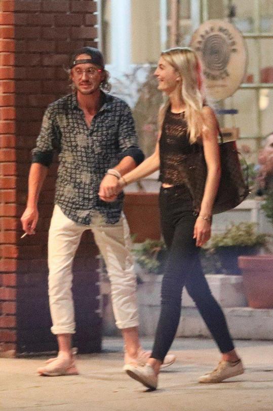 Tom Felton si dopřál společnost neznámé blondýnky.