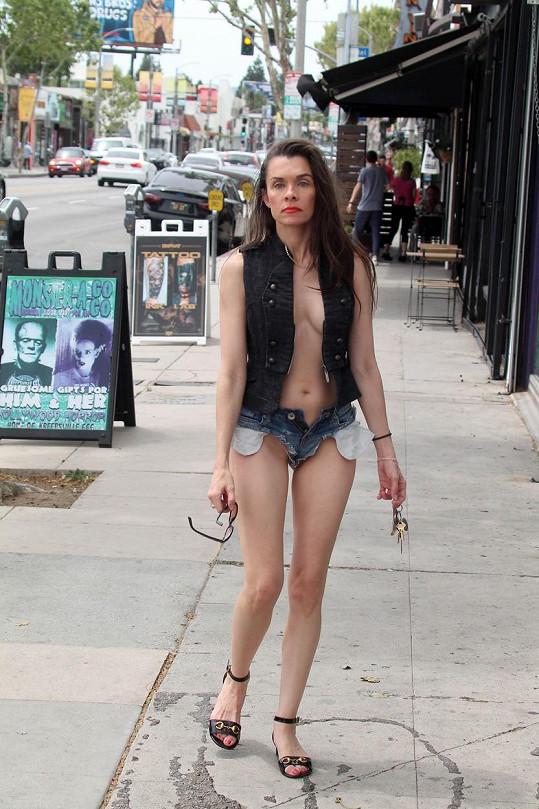 Neúspěšná herečka vypadá dost vyžile.
