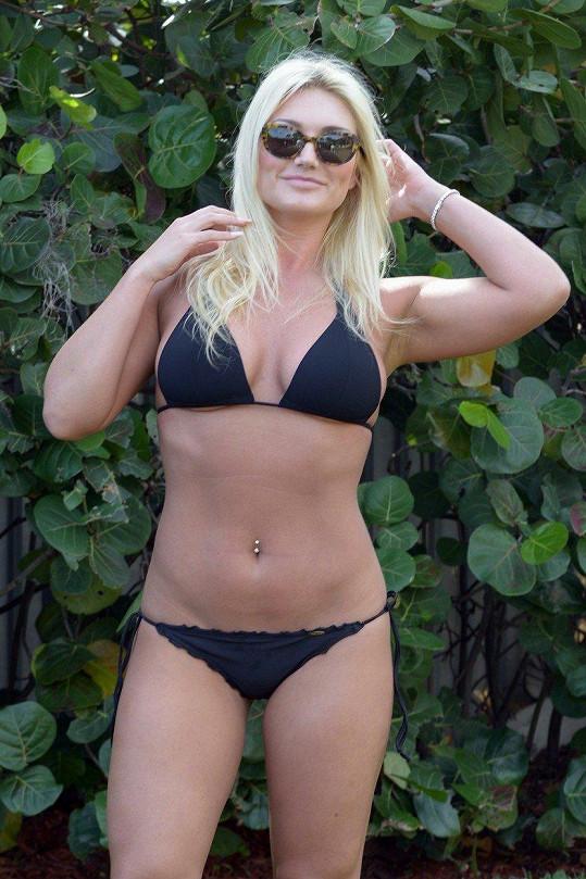 Svou atletickou figuru vystavila slunci v Miami na Floridě.