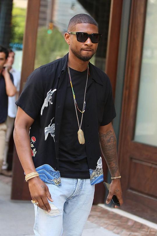 Usher před Greenwich Hotelem v Hollywoodu v červenci loňského roku