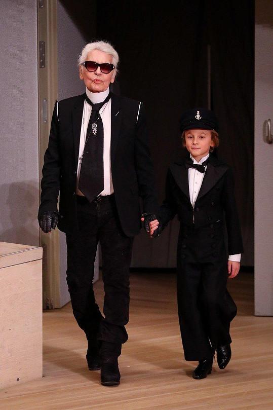 Podle rodičů byl Lagerfeld skvělým kmotrem.