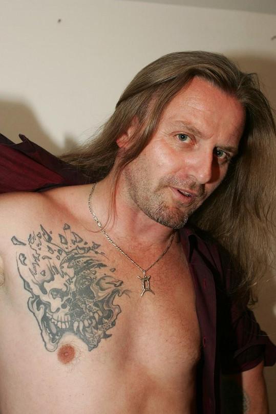 Před lety našel Pepa Vojtek zálibu v tetování.
