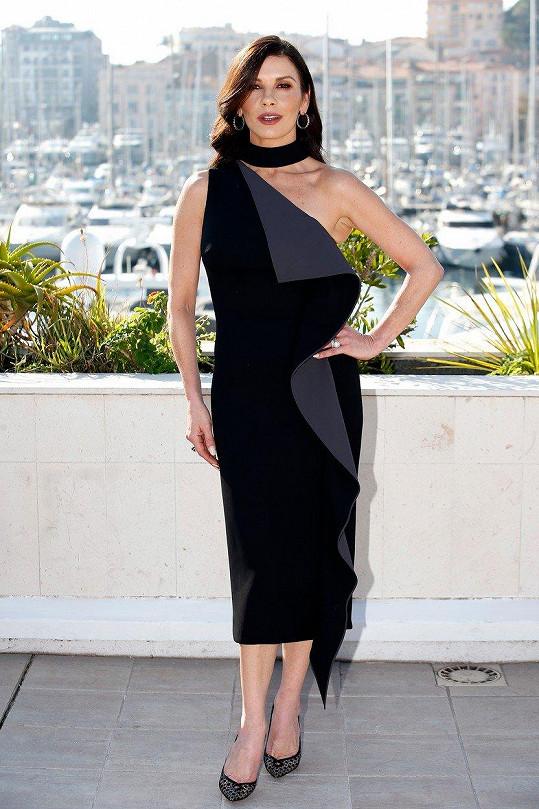 Catherine Zeta-Jones vyrazila do Cannes.