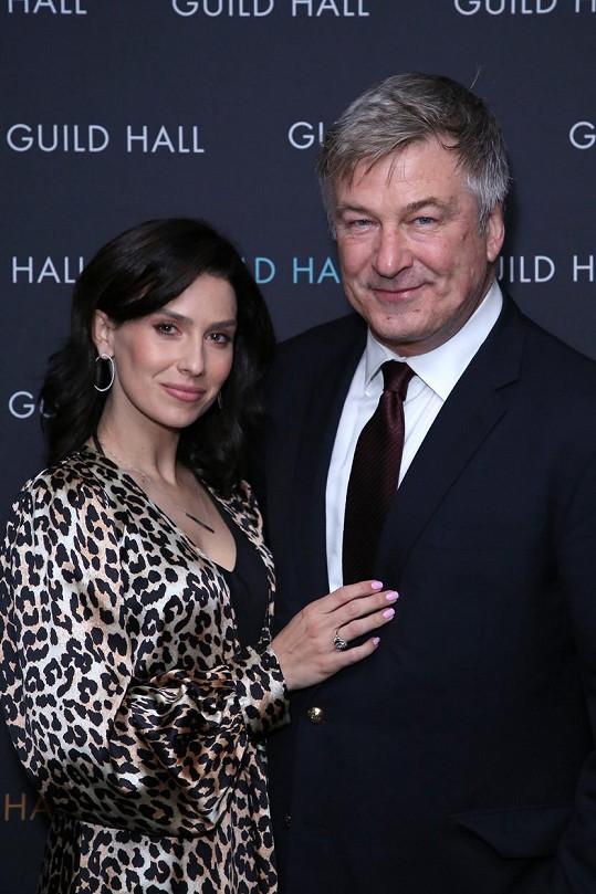 S manželem Alecem Baldwinem vychovávají dceru Carmen a syny Rafaela, Leonarda a Romea.