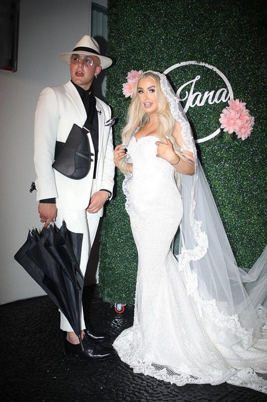 Tana Mongeau se provdala za Jaka Paula.