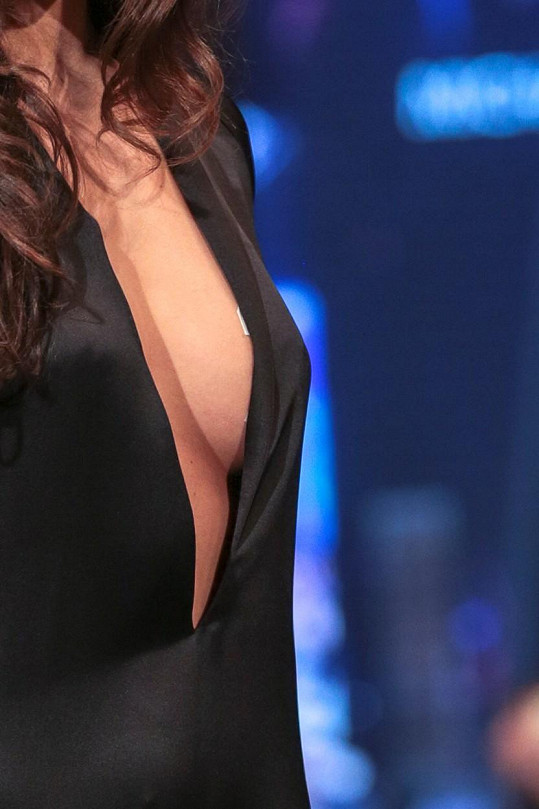 Slovenská šéfka soutěže krásy málem ukázala víc, než sama chtěla.