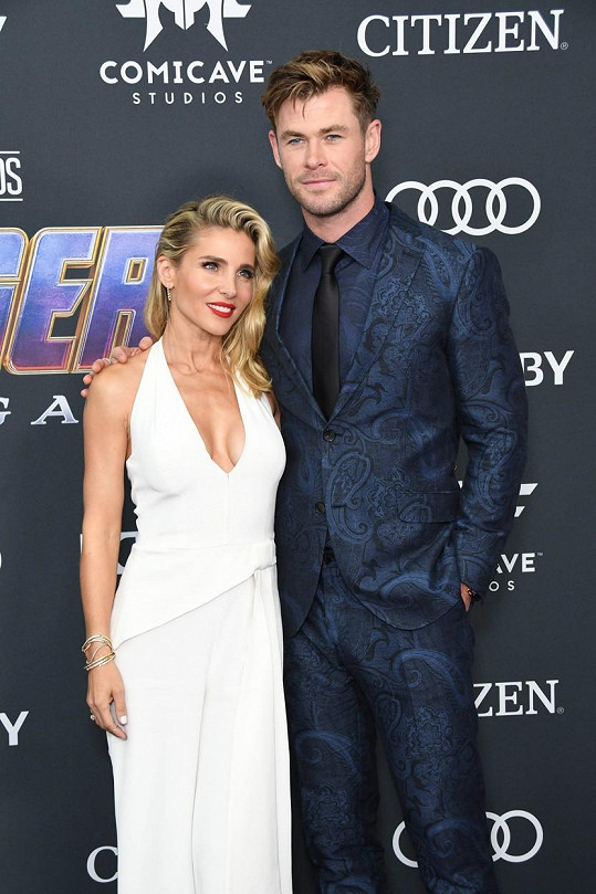 Elsa s manželem Chrisem Hemsworthem, bratrem Liama.