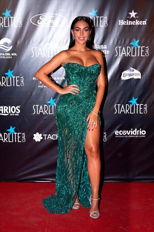 Georgina Rodriguez vyrazila na charitativní gala.