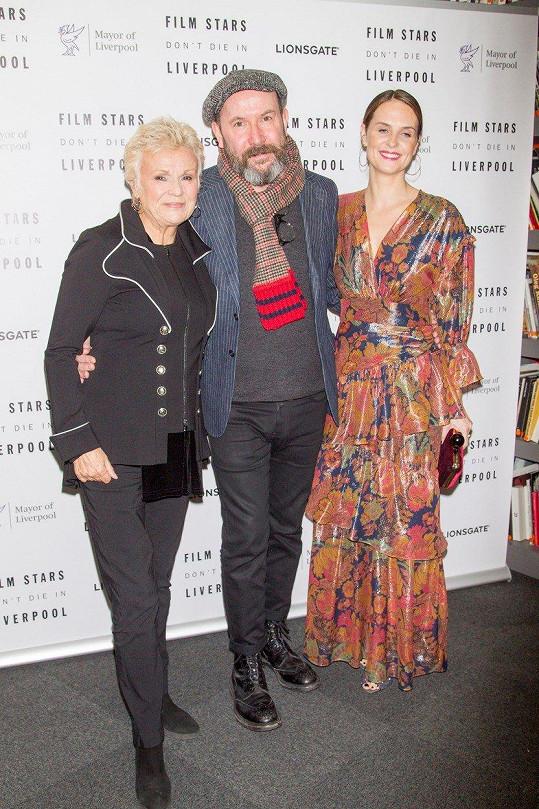 Julie Walters s hereckou kolegyní ze snímku Film Stars Don´t Die in Liverpool Leanne Best a režisérem filmu Paulem McGuiganem