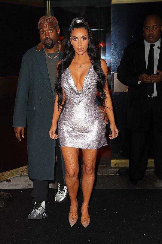 Kim s Kanyem zavítali na přehlídku značky Versace.