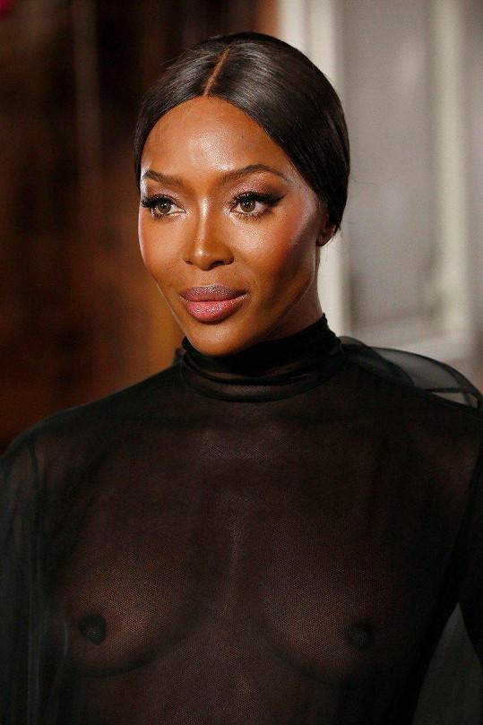 Naomi Campbell byla hvězdou přehlídky Valentino.