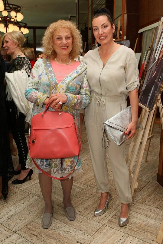 Herečka s dcerou Katarínou Hasprovou známou z muzikálů