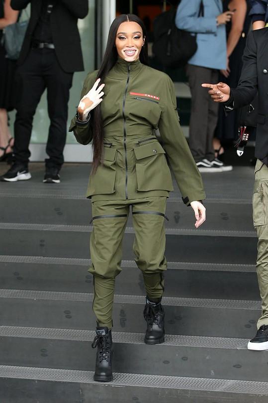 Harlow v Miláně, kde se zúčastnila akce nadace značky Prada.