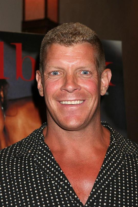 Wrestler proslul především jako Hawk v televizní sérii American Gladiators.