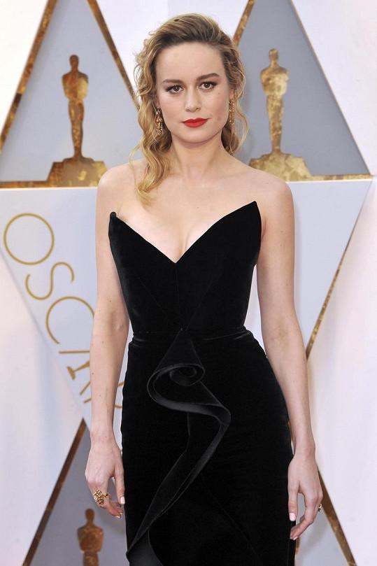 Takhle jí to slušelo na nedávném udílení Oscarů.