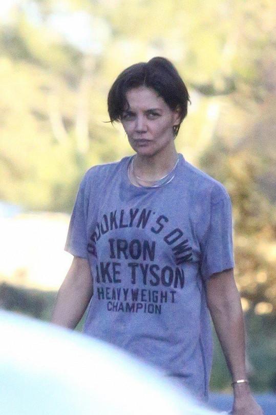 Na Jamieho nedělním charitativním zápase herečka vidět nebyla.
