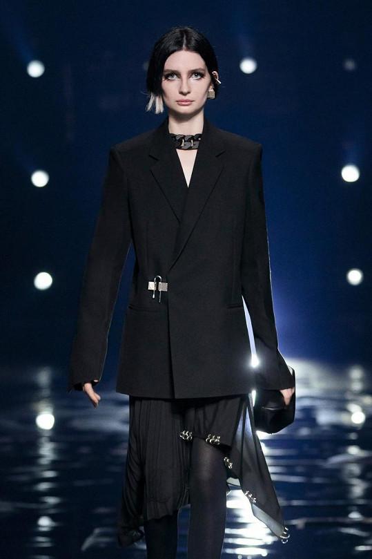 Meadow Walker otvírala přehlídku značky Givenchy.