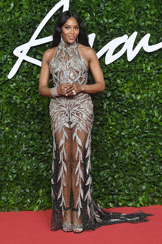 Naomi Campbell za pár týdnů oslaví padesátku.