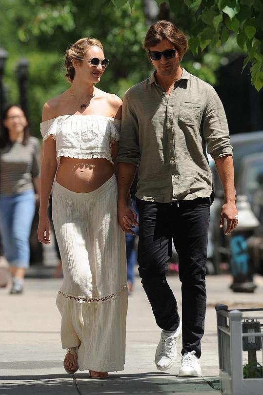 Candice se snoubencem Hermannem Nicolim v New Yorku