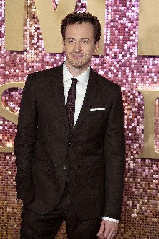 Dnes pětatřicetiletý herec představil v Londýně svůj nový film Bohemian Rhapsody.