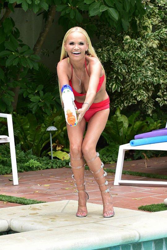 Kristin Chenoweth na padesát rozhodně nevypadá.