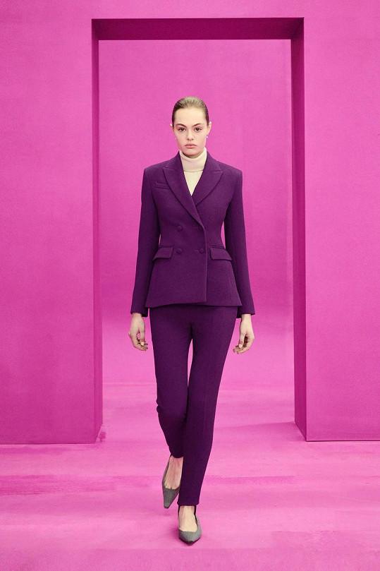 Ten je z nové kolekce její oblíbené návrhářky Emilie Wickstead a vyjde zhruba na 40 tisíc korun.