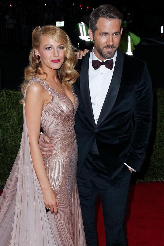 Ryan Reynolds a Blake Lively baví fanoušky.